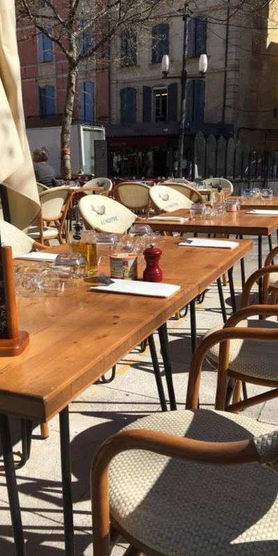 Du Bar à l'huitre - Le Restaurant - Restaurant Arles